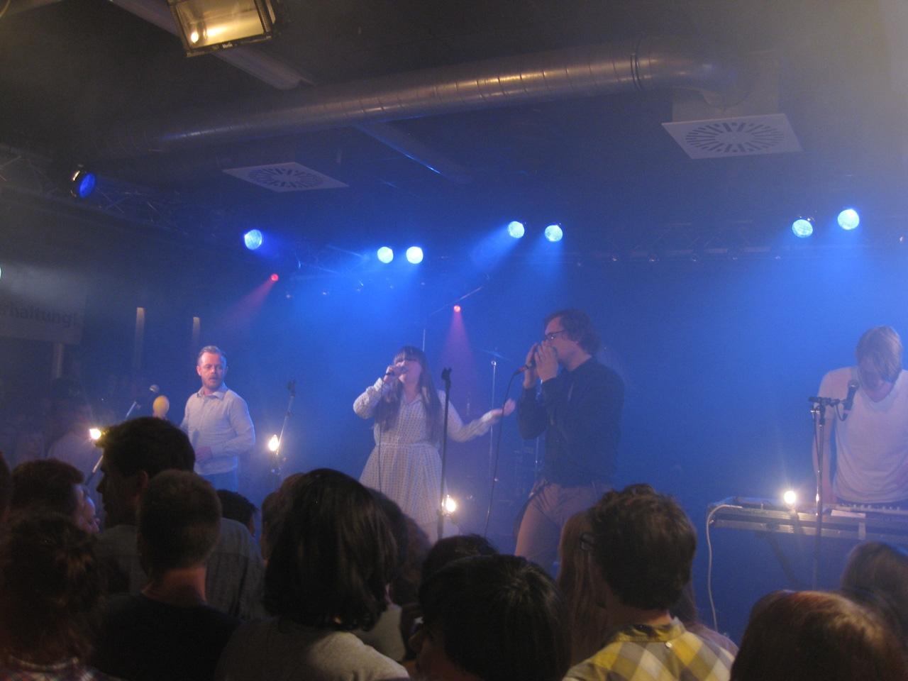 FM Belfast live