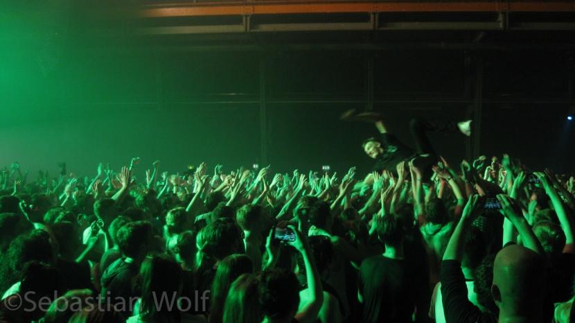 Wett Crowdsurfing Kraftklub