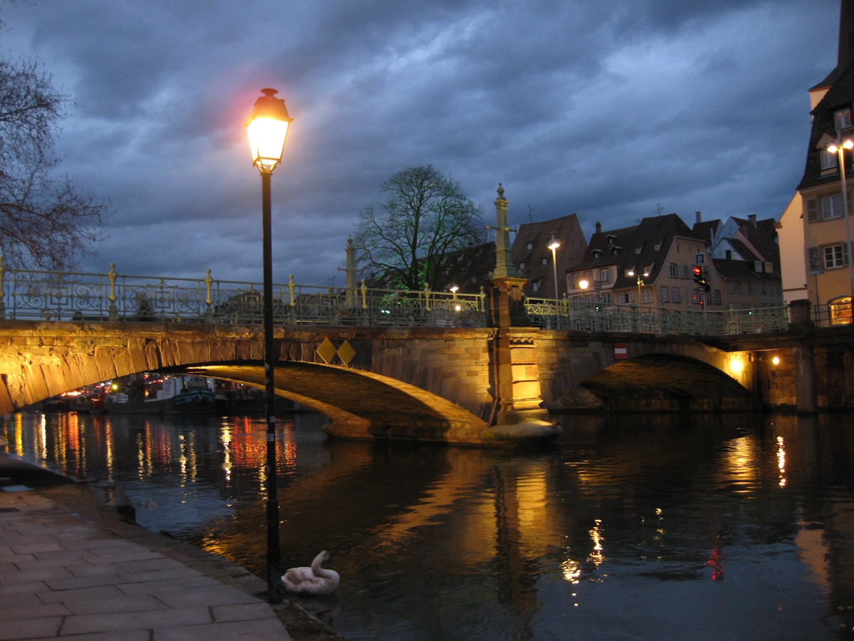 Brücke bei Nacht Strasbourg