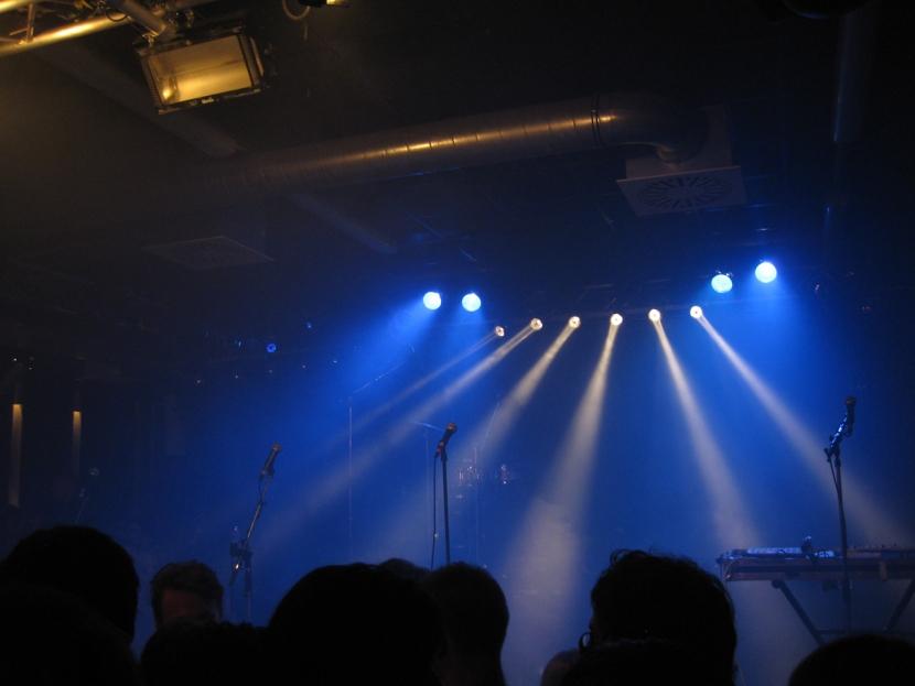 FM Belfast mics