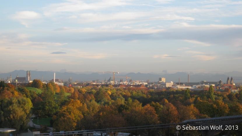 Blick auf München vom Olympiagelände