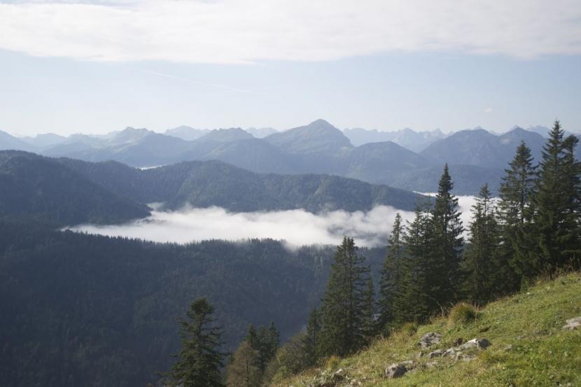 Morgendlicher Ausblick über den Wolken